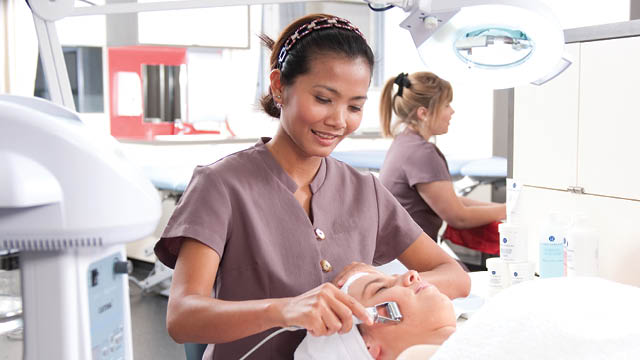 tafe queensland beauty salons