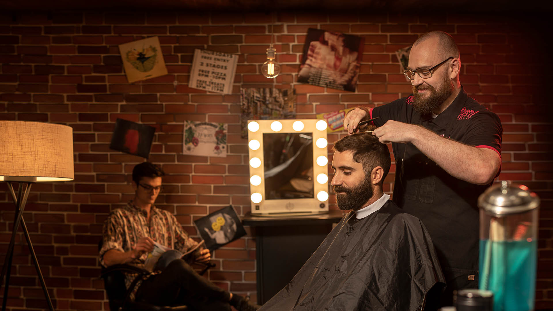 Barber Joel Dreier in action