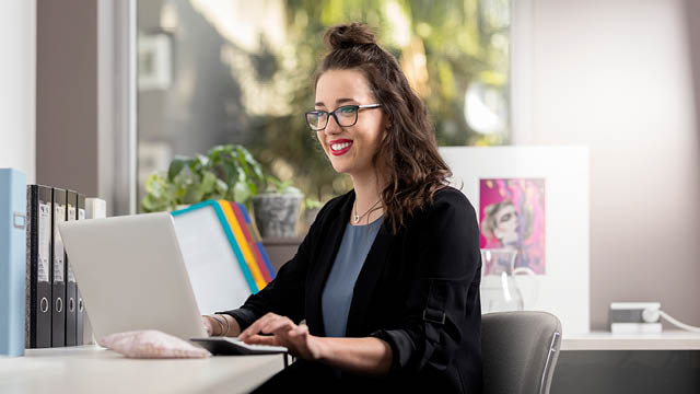 study accounting and finance online with tafe queensland