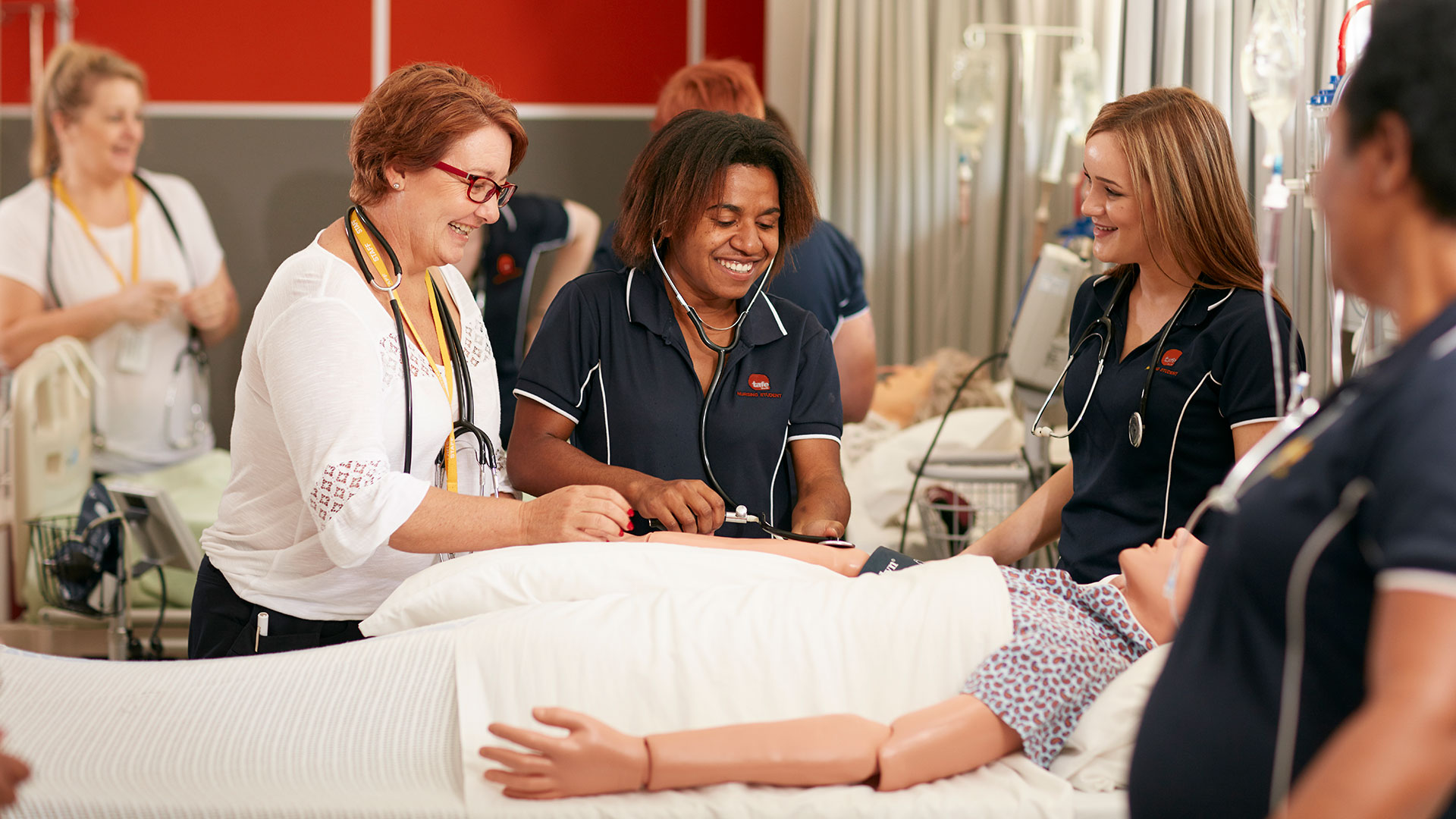 cairns-facilities-clinical-labs-nursing-wards-01.jpg