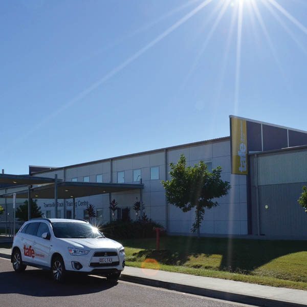 townsville-bohle-trade-training-centre-campus-hero-a-tile.jpg